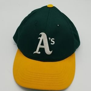 MLB Oakkand A's baseball cap youth size